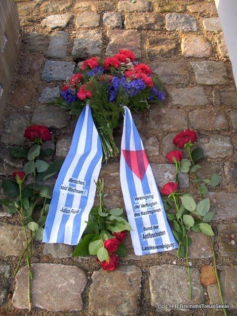 KZ Bahrsplate- Stein der Hoffnung- Rosen für die Opfer, Bremen-Blumenthal